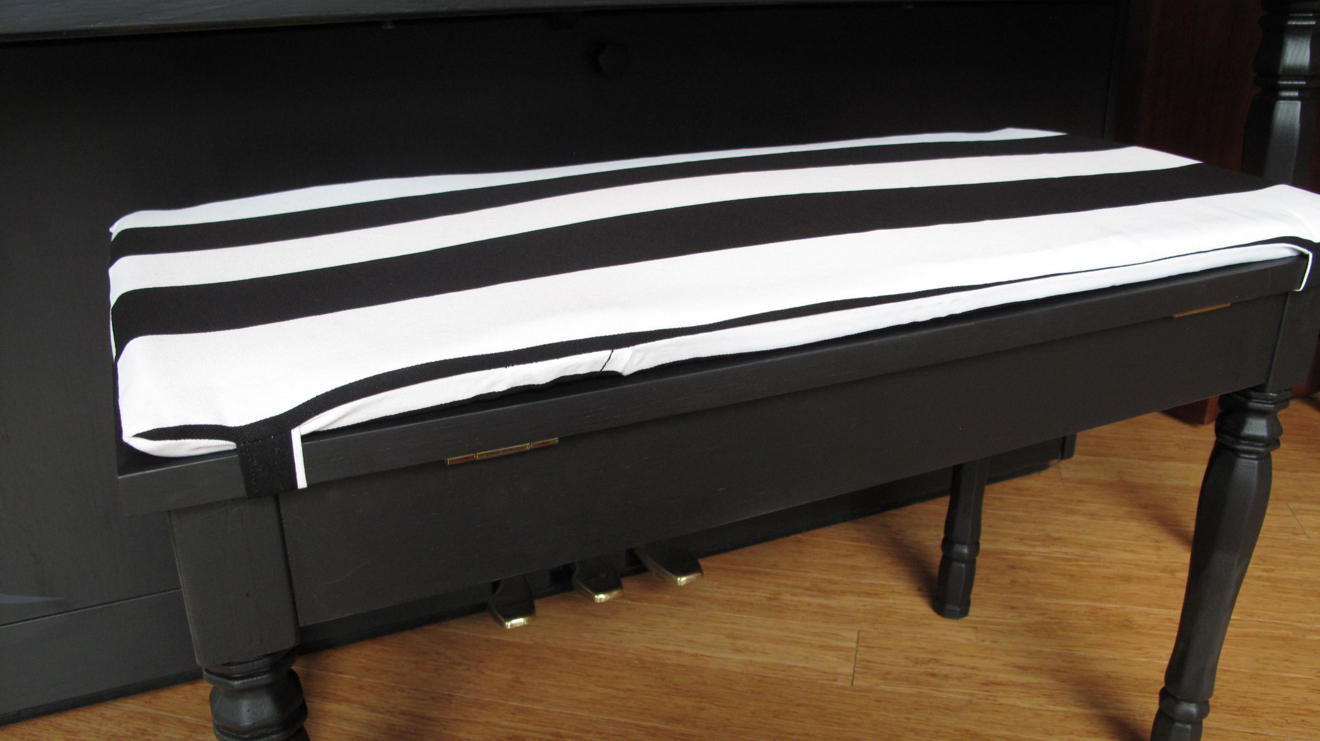 Picture of: Piano Bench Cushion With Insert Tie On The Piano Gal Shop